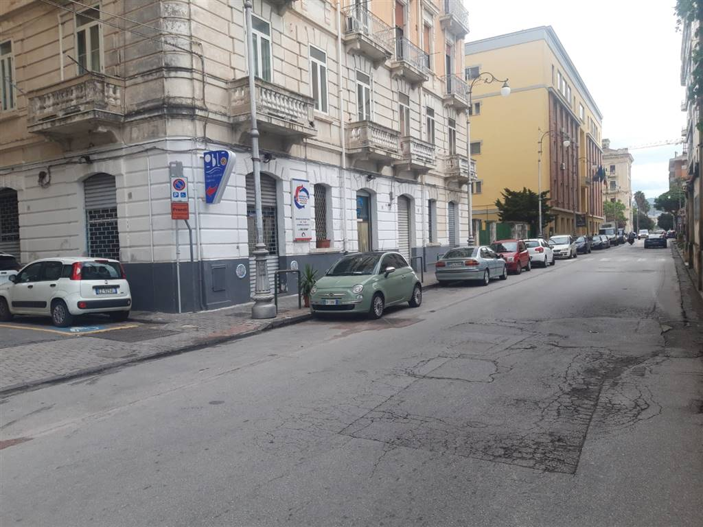 PORTO, SALERNO, Shop for rent of 150 Sq. mt., Energetic class: G, composed by: , Price: € 1,300