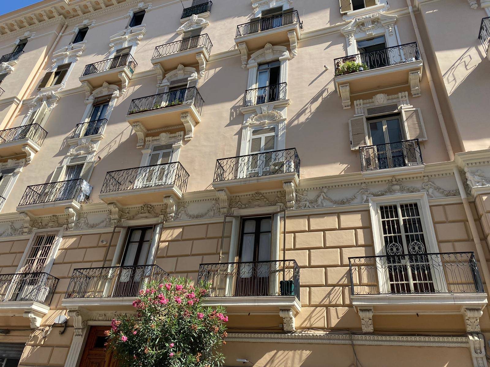 CENTRO, SALERNO, Apartment for rent of 67 Sq. mt., Habitable, Heating Non-existent, Energetic class: G, placed at 5° on 6, composed by: 2 Rooms,
