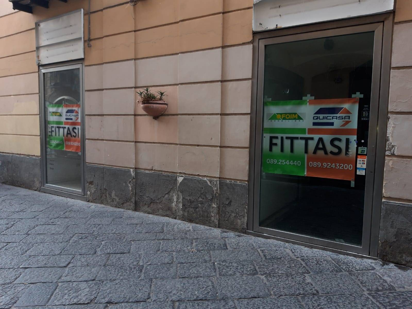 CENTRO STORICO, SALERNO, Shop for rent of 420 Sq. mt., Energetic class: G, composed by: , Price: € 10,000