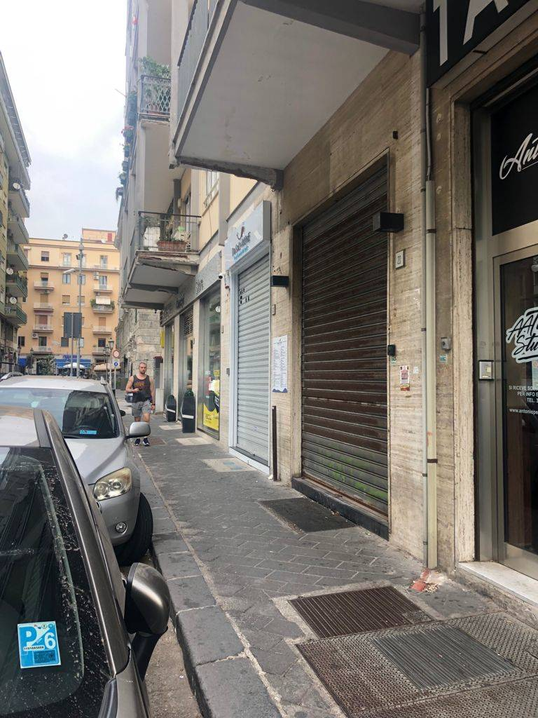 CENTRO, SALERNO, Shop for rent, Energetic class: G, placed at Ground, composed by: , Price: € 1,500