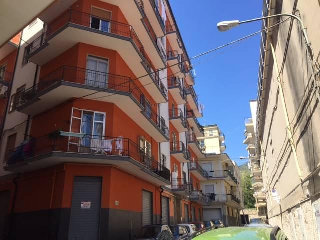 Bilocale in Via Sica, Carmine, Salerno