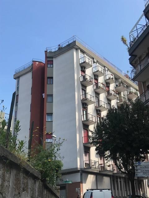 CARMINE, SALERNO, Wohnung zur miete von 105 Qm, Renoviert, Heizung Unabhaengig, Energie-klasse: G, am boden 4°, zusammengestellt von: 4 Raume,