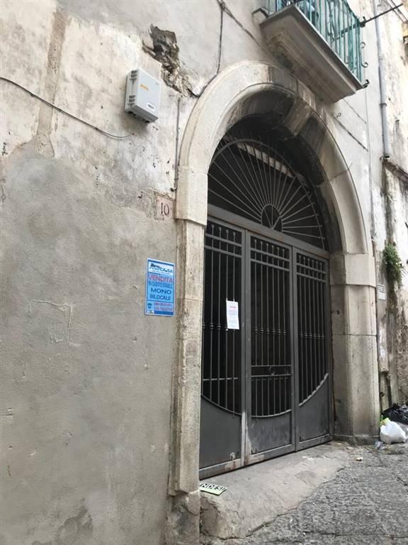 Monolocale, Centro Storico, Salerno, da ristrutturare