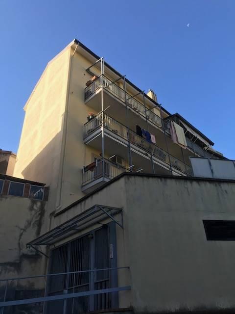 CAPEZZANO, PELLEZZANO, Wohnung zur miete von 75 Qm, Gutem, Heizung Unabhaengig, Energie-klasse: G, am boden 1°, zusammengestellt von: 3 Raume,