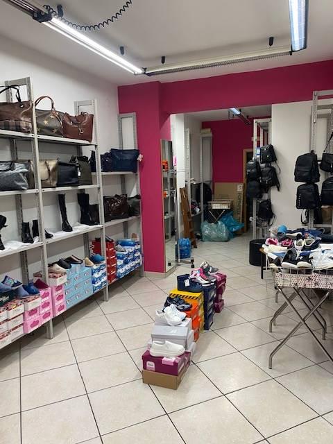 Attività / Licenza in affitto a Salerno, 9999 locali, zona Zona: Carmine, prezzo € 500 | CambioCasa.it