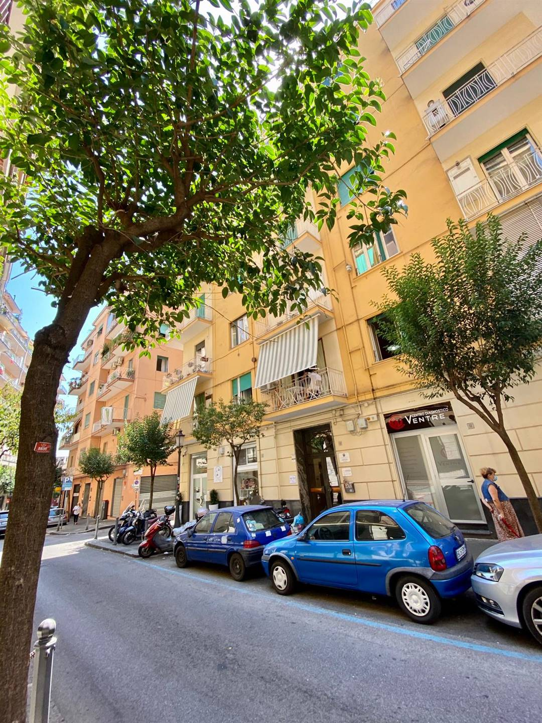 CENTRO, SALERNO, Apartment for rent of 65 Sq. mt., Good condition, Heating Individual heating system, Energetic class: G, placed at 3°, composed by: