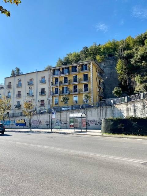 Appartamento in affitto a Salerno, 3 locali, zona Zona: Fratte, prezzo € 500   CambioCasa.it