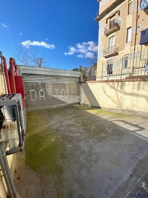 Box / Garage in affitto a Salerno, 1 locali, zona Zona: Carmine, prezzo € 190   CambioCasa.it