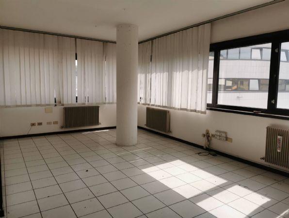 Ufficio / Studio in vendita a Pergine Valsugana, 3 locali, prezzo € 175.000   CambioCasa.it