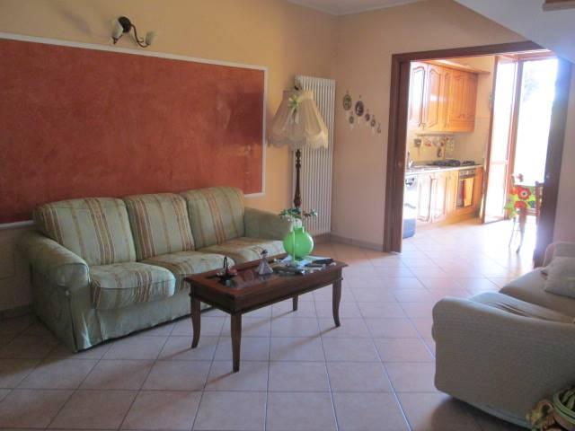 Villa a schiera, Canolo, Correggio