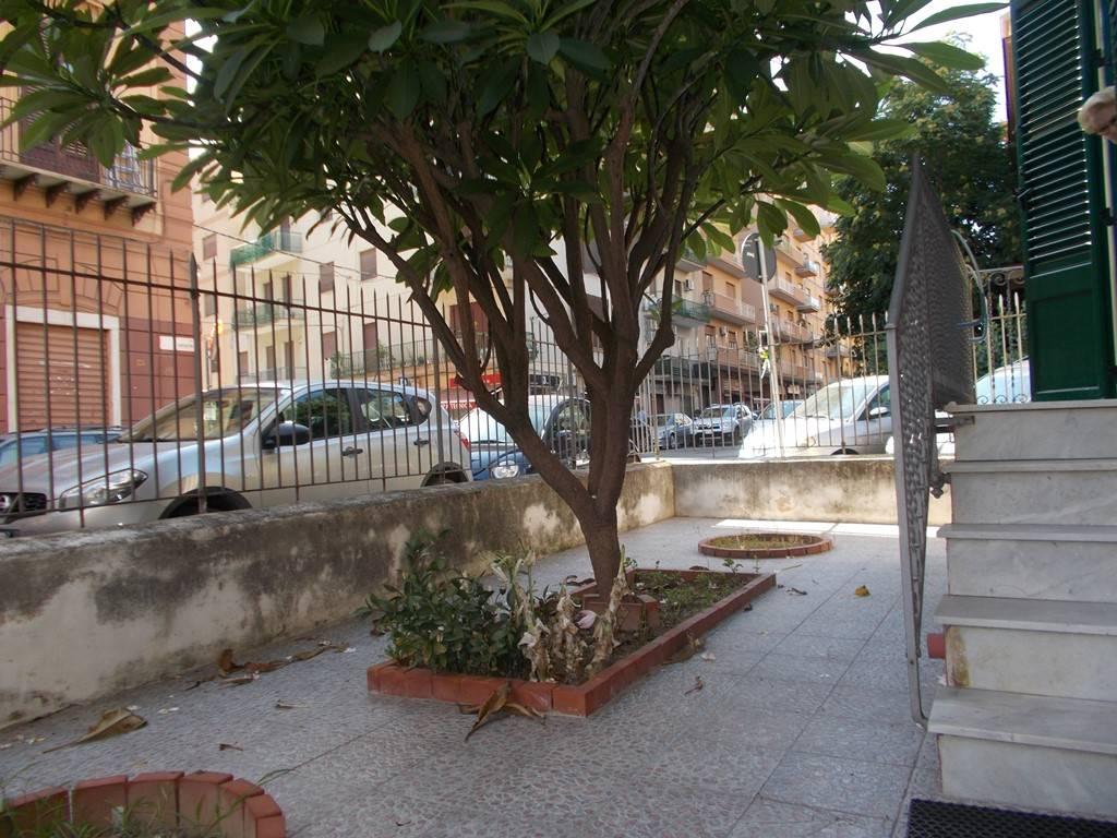 Quadrilocale in Via Sampolo  133, Libertà, Palermo