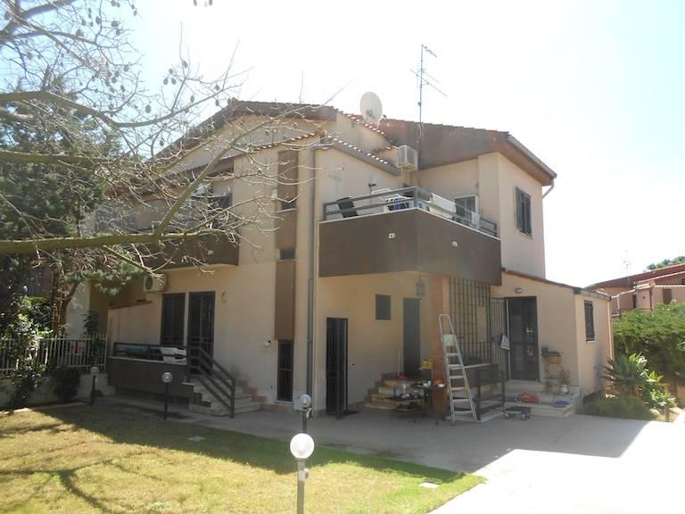 Trilocale, Mondello, Palermo, ristrutturato
