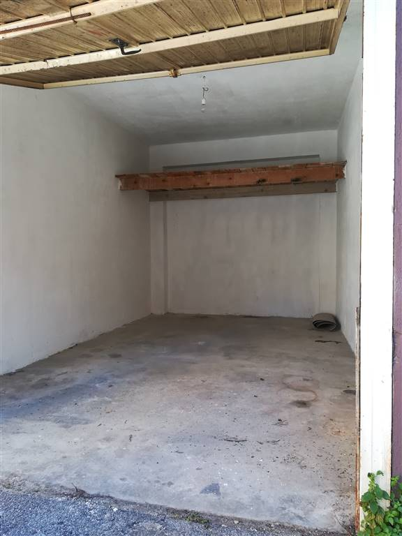 Garage / Posto auto in Via Sferracavallo 7, Tommaso Natale, Palermo