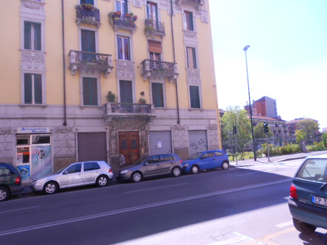 SESTO SAN GIOVANNI, Shop for rent of 21 Sq. mt., Heating Non-existent, Energetic class: Not subject, placed at Ground, composed by: 1 Room, 1