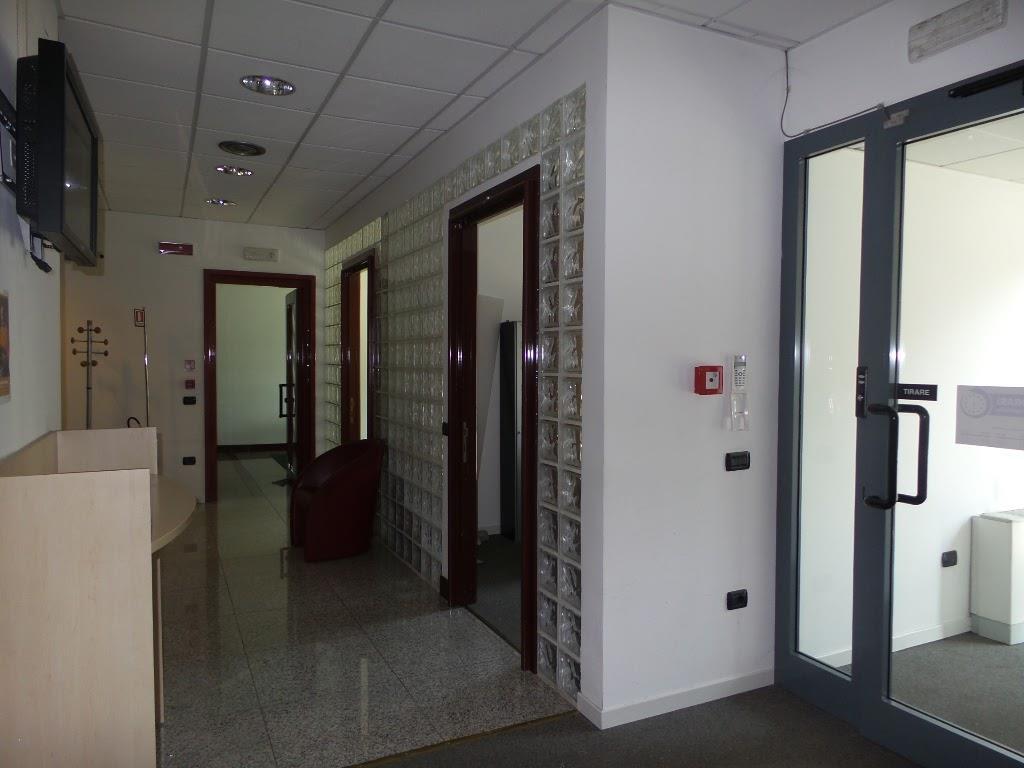 Affitto negozio montegrappa sesto san giovanni in for Negozio con planimetrie abitative