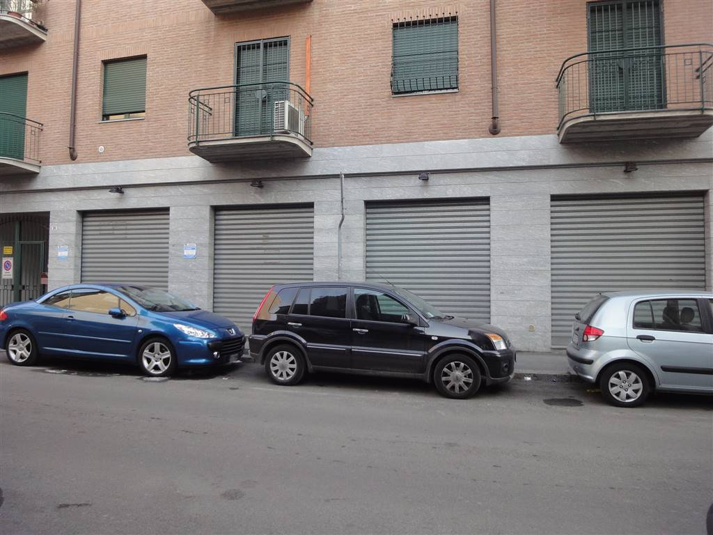 SESTO SAN GIOVANNI, Shop for rent of 120 Sq. mt., Excellent Condition, Heating Individual heating system, Energetic class: G, Epi: 175 kwh/m3 year,