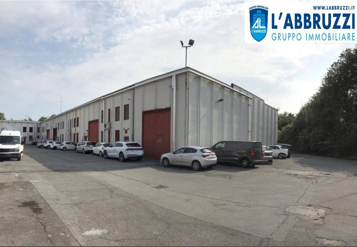 SESTO SAN GIOVANNI, Industrial warehouse for sale of 1365 Sq. mt., Habitable, Energetic class: G, Epi: 175 kwh/m3 year, placed at Ground, composed