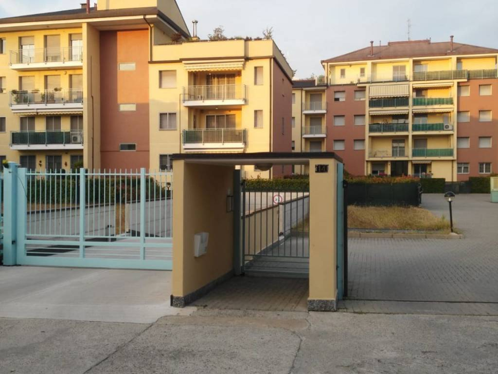 SESTO SAN GIOVANNI, Apartment for rent of 60 Sq. mt., Excellent Condition, Heating Individual heating system, Energetic class: C, Epi: 81,9 kwh/m2