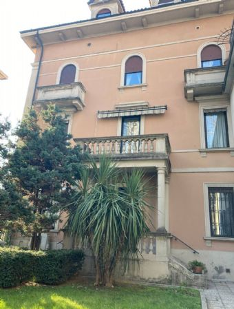 SESTO SAN GIOVANNI, Apartment for sale of 110 Sq. mt., Good condition, Heating Individual heating system, Energetic class: G, Epi: 215 kwh/m2 year,
