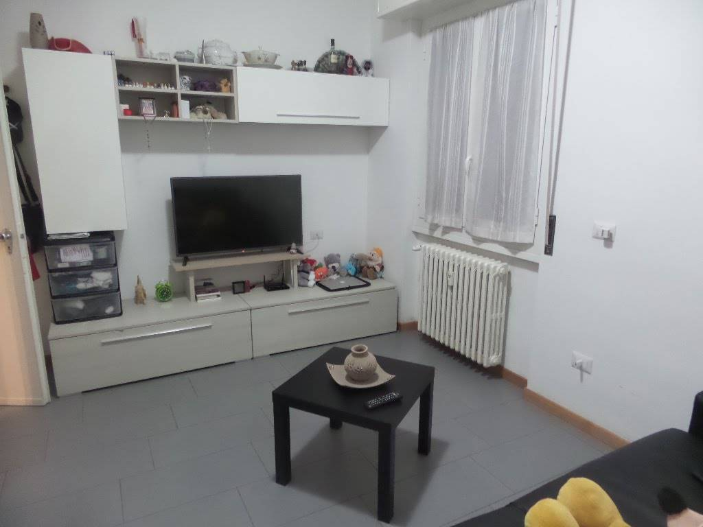 SESTO SAN GIOVANNI, Apartment for rent of 40 Sq. mt., Good condition, Heating Centralized, Energetic class: G, Epi: 175 kwh/m2 year, placed at 4° on