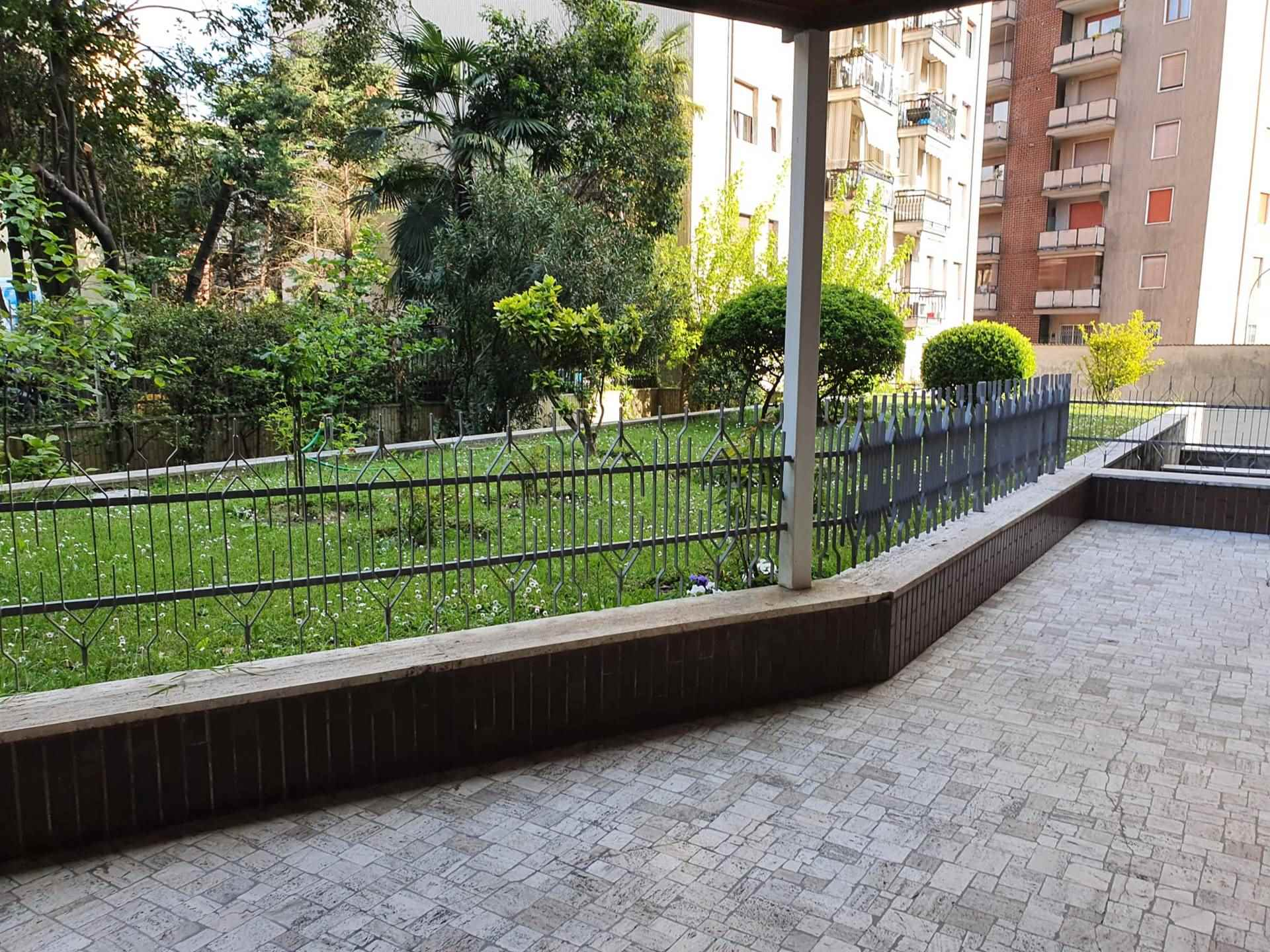 MONZA, MILANO, Apartment for rent of 45 Sq. mt., Restored, Heating Centralized, Energetic class: G, Epi: 175 kwh/m2 year, placed at 7° on 10,