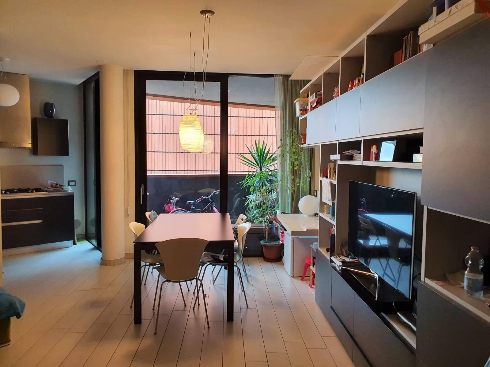 L'Abbruzzi Gruppo Immobiliare propone a Sesto San Giovanni, a 4 minuti a piedi dalla fermata della metropolitana Stazione, all'interno del