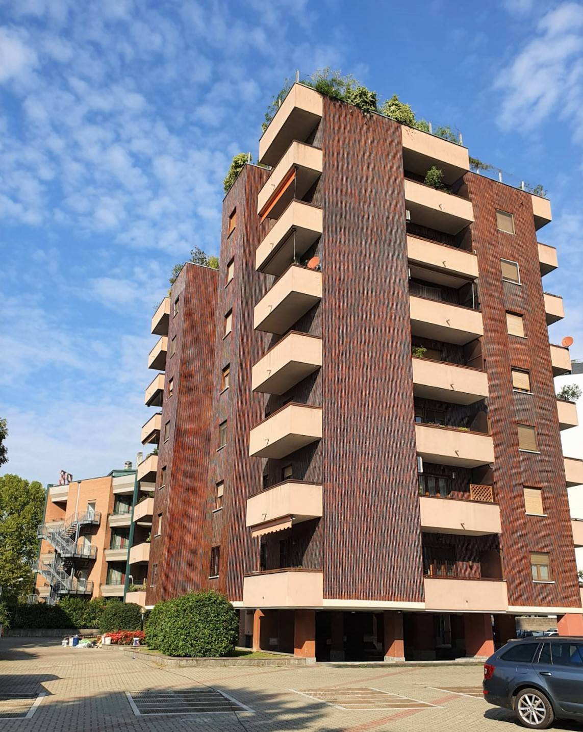 SESTO SAN GIOVANNI, Apartment for sale, Be restored, Heating Centralized, Energetic class: G, Epi: 175 kwh/m2 year, placed at 3° on 8, composed by: 4