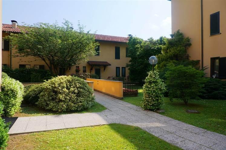Villa in Via Iseo 1, San Fruttuoso, Triante, San Carlo, San Giuseppe, Monza