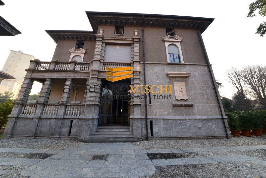 Trilocale in Via Villa 1, Centro Storico, San Gerardo, Libertà, Monza