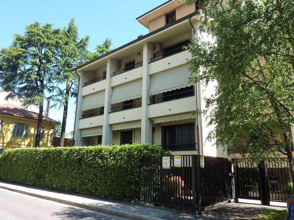 Quadrilocale in Via San Gottardo 26, San Fruttuoso, Triante, San Carlo, San Giuseppe, Monza