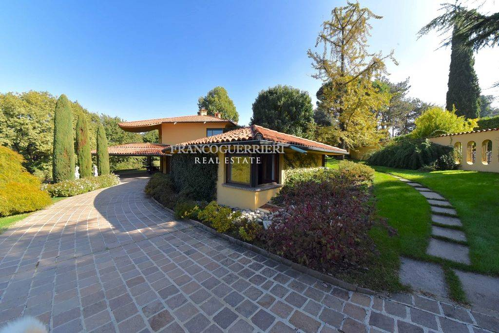 Villa in Via Moncucco, Carate Brianza