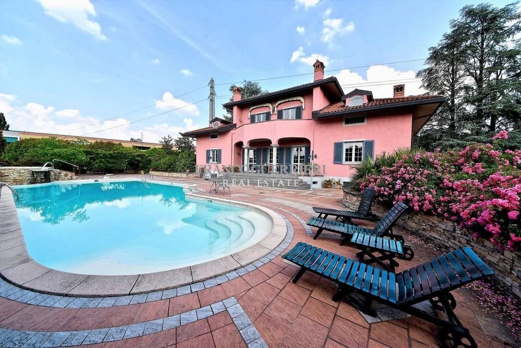 Villa in Via Per Scagnello, Calco