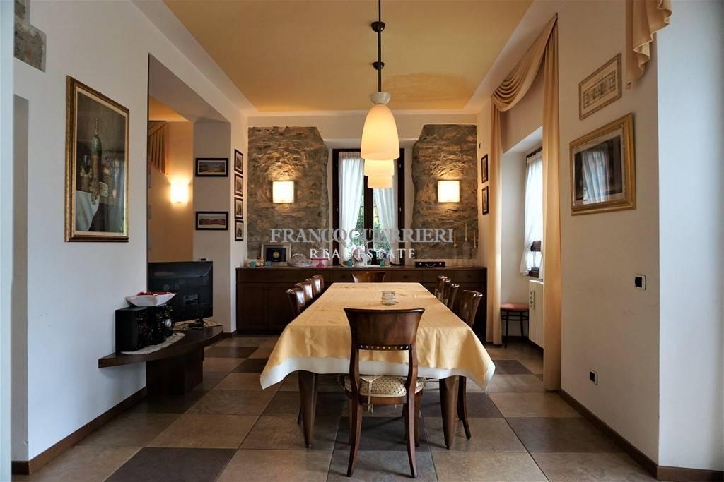 Villa in vendita a Albavilla, 8 locali, prezzo € 1.000.000 | CambioCasa.it