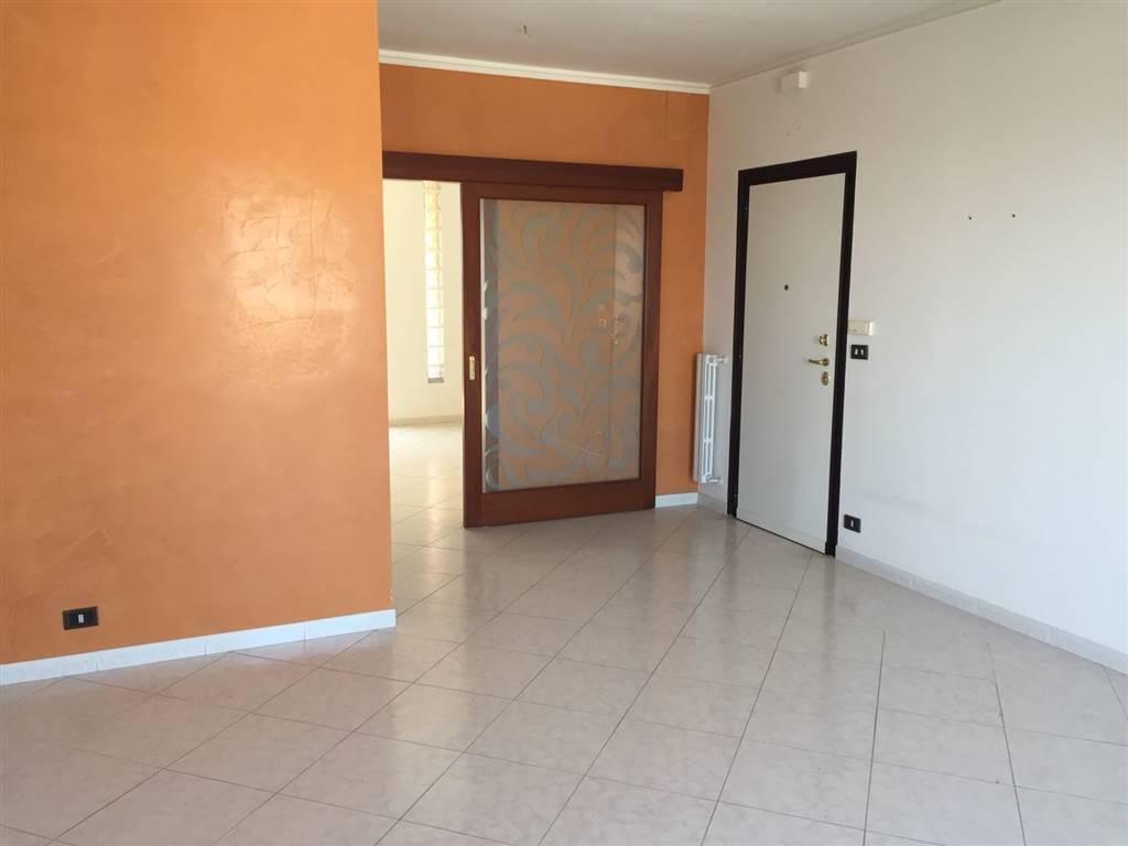 Appartamento in affitto a Turi, 4 locali, prezzo € 450 | CambioCasa.it