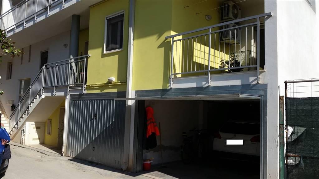 Soluzione Indipendente in vendita a Sannicandro di Bari, 3 locali, prezzo € 165.000 | CambioCasa.it