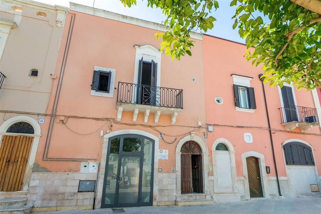 Palazzo, Ceglie Del Campo, Bari, ristrutturato