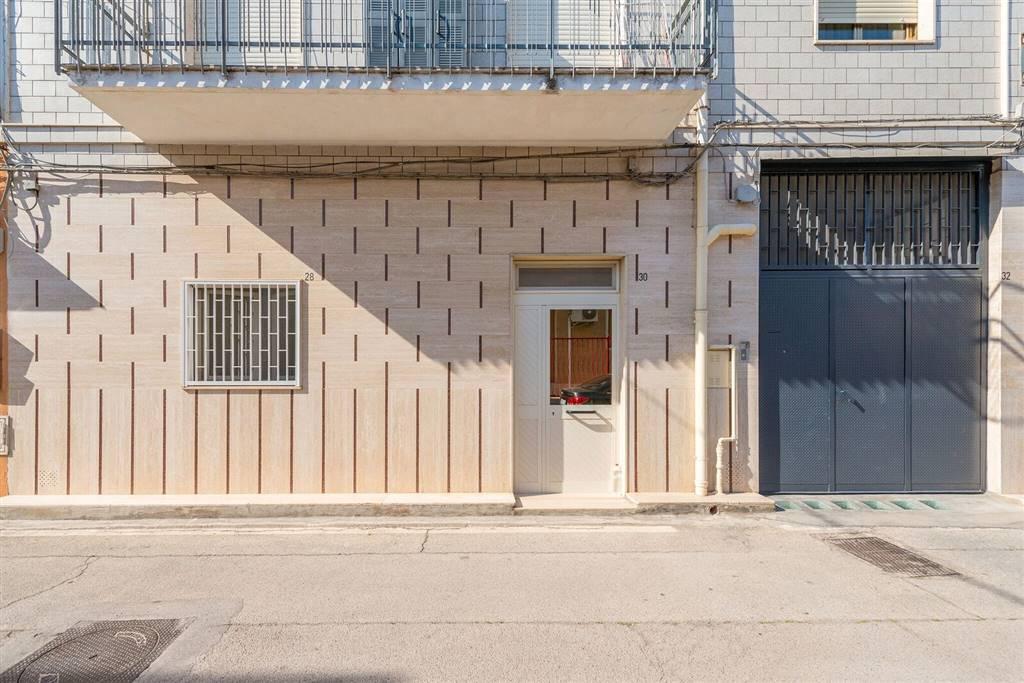 Soluzione Indipendente in vendita a Bari, 3 locali, zona Località: CARBONARA / CEGLIE, prezzo € 210.000 | CambioCasa.it