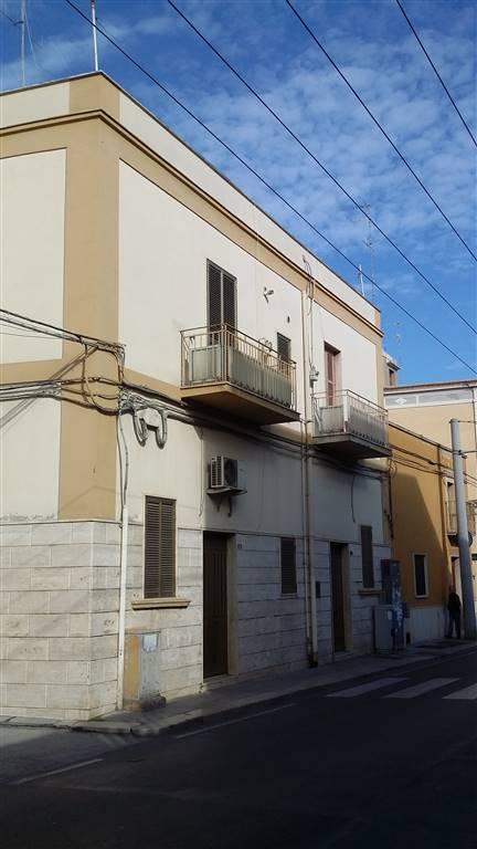 Soluzione Indipendente in vendita a Bari, 8 locali, zona Località: CARBONARA / CEGLIE, prezzo € 130.000 | CambioCasa.it