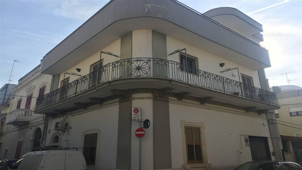 Appartamento in vendita a Adelfia, 3 locali, zona eto, prezzo € 150.000 | PortaleAgenzieImmobiliari.it
