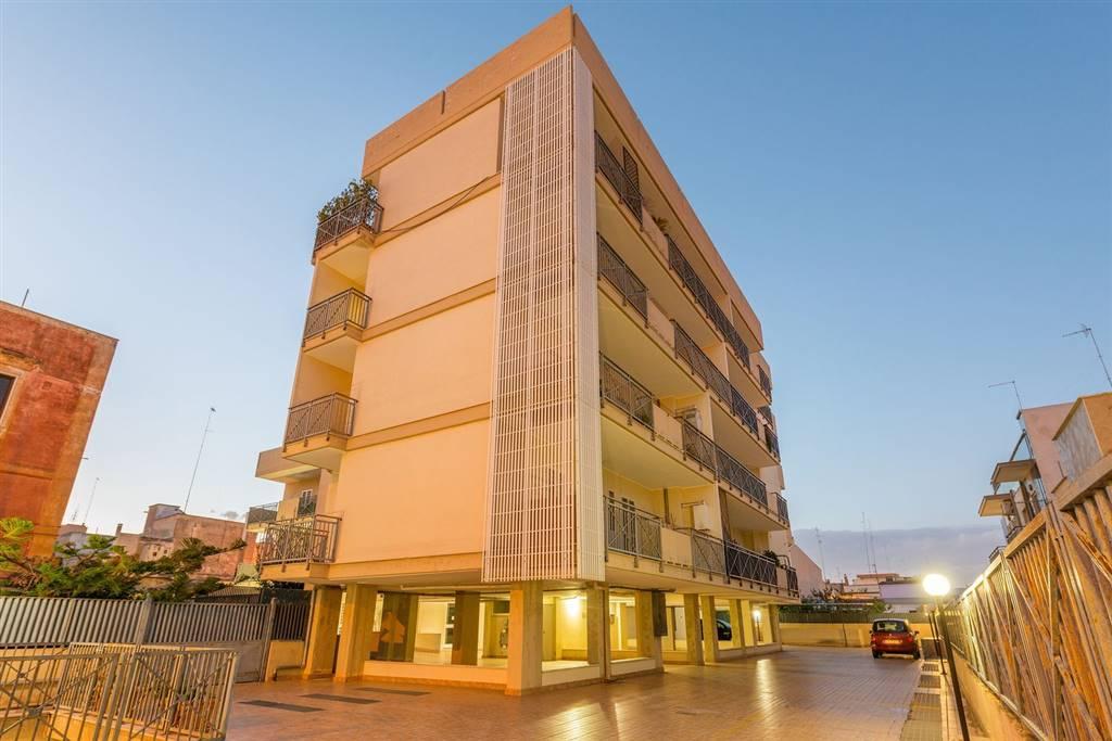 Appartamento in vendita a Bari, 3 locali, zona Zona: Ceglie del Campo, prezzo € 170.000 | CambioCasa.it