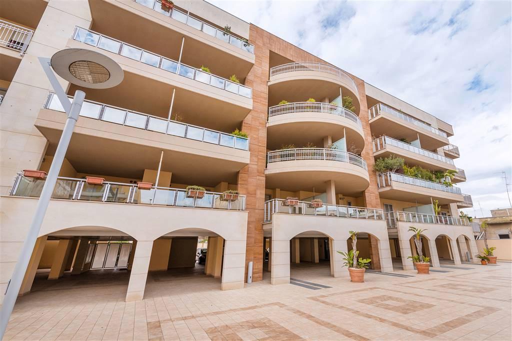 Trilocale, Carbonara - Ceglie, Bari, in ottime condizioni
