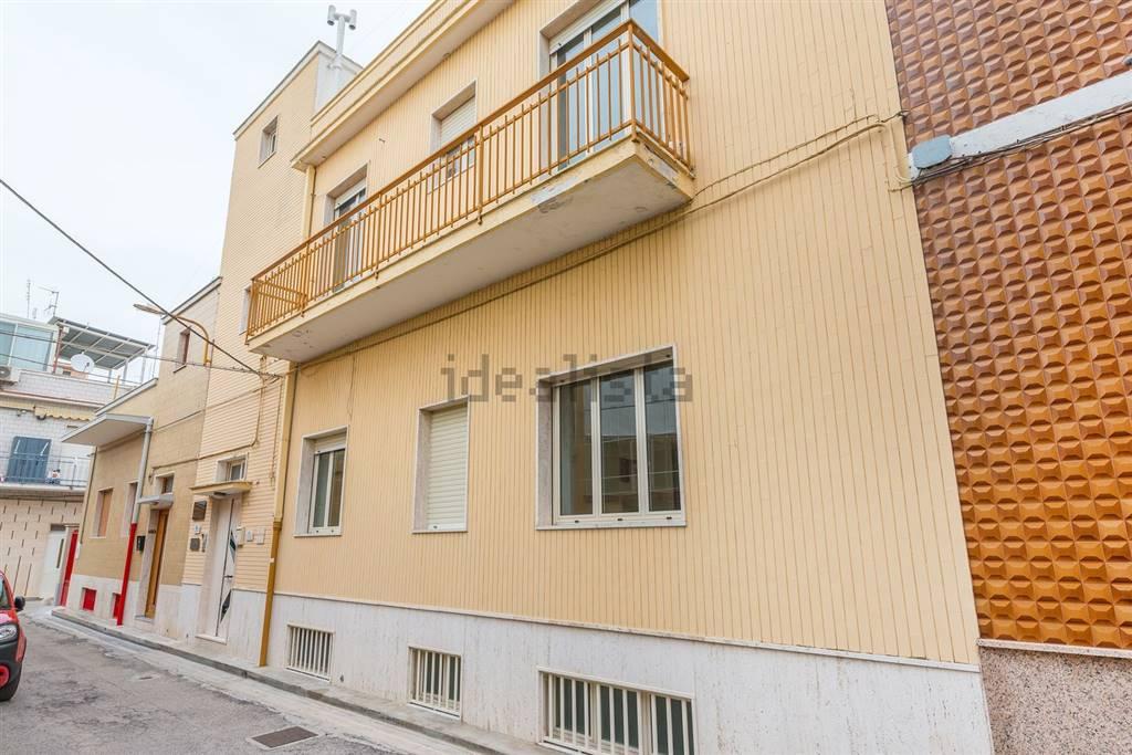 Appartamento in vendita a Bari, 3 locali, zona Località: CARBONARA / CEGLIE, prezzo € 45.000 | CambioCasa.it