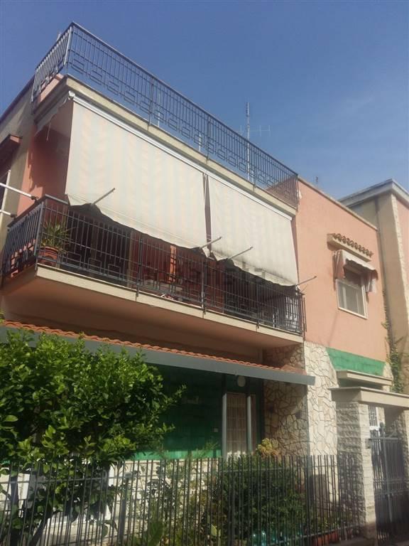 Appartamento indipendente, Carbonara - Ceglie, Bari, in ottime condizioni