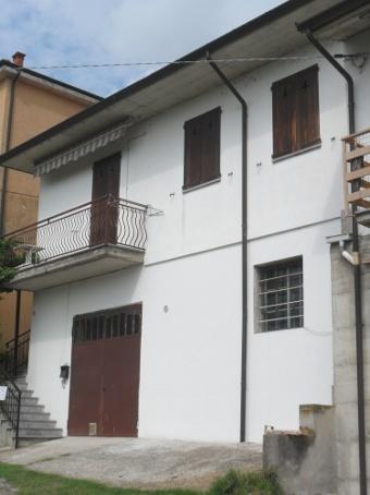 Casa singola, Montu' Beccaria, in ottime condizioni