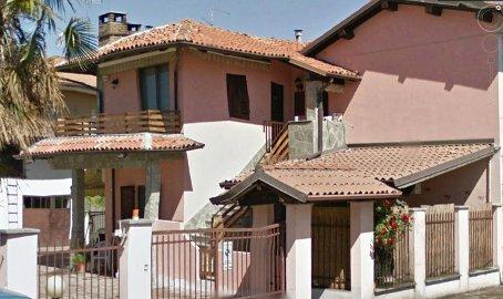 Villa Bifamiliare in vendita a Bressana Bottarone, 10 locali, prezzo € 230.000 | CambioCasa.it