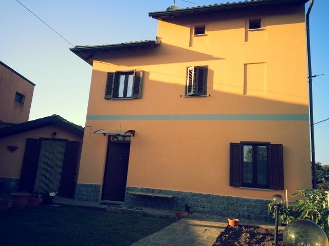 Casa singola, Santa Giuletta, ristrutturata