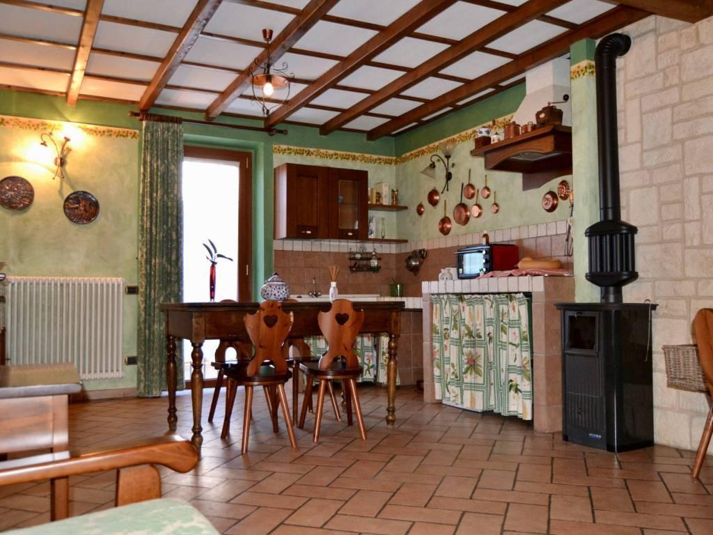 Quadrilocale, V.le Riviera - Casa Sul Fiume, Pavia, in ottime condizioni
