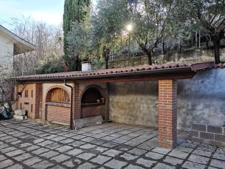 Villa, Cigognola, ristrutturata