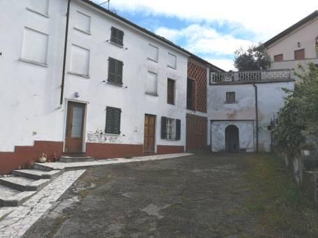 Casa singola, Rovescala, da ristrutturare