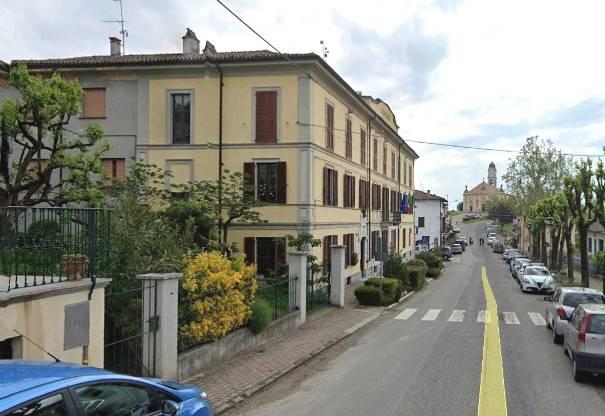 Villa in vendita a Castana, 10 locali, zona Località: CASA BARBIERI, prezzo € 240.000 | PortaleAgenzieImmobiliari.it